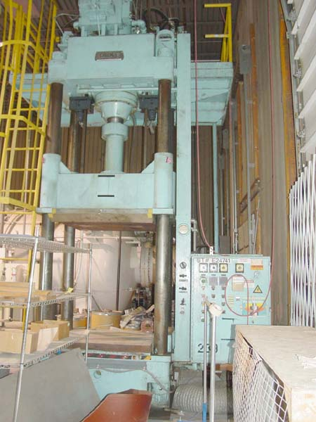 200 TON DAKE FOR SALE 4-POST HYDRAULIC PRESS